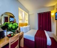 Holiday Inn Kensington. En god seng at sove i på chelsea fodboldtur er vigtigt