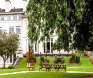 Devonshire House Hotel i Liverpool - Skønne haver på hotellet arealer. Spil og leg i haverne og slap af inden turen går til Anfield og fodboldkampen