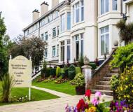 Devonshire House Hotel i Liverpool - Flot hotel set udefra. Stort hvidt hotel med mange gode faciliteter og et supergodt valg for fodboldturer til Liverpool