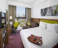 Hampton by Hilton har nogle fine hotelværelser og her sover du dejligt på Liverpool fodboldturen