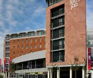 Jurys inn hotel liverpool ved albert dock er er godt hotel på fodboldrejser til liverpool. Køb fodboldbilletter til Liverpool kampe