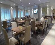 Holiday inn oxford road tilbyder en god morgenmad i deres restaurant på din fodboldtur til manchester united