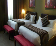 Palace hotel manchester har gode senge, sov dejligt på fodboldturen. Vigtig inden i tager på Old Trafford med fodboldbilletter