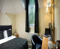 cancellors hotel senge  - sov dejlig efter old trafford besøget og drøm om fodboldrejsen til manchester united