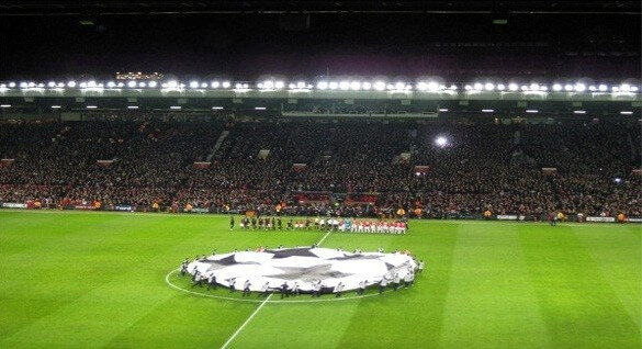 Salford suite hos manchester united giver dig det perfekte udsyn til banen på old trafford. gode fodboldbilletter